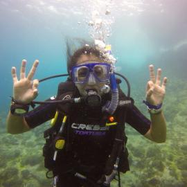 Volunteer diving at Reef Buddy