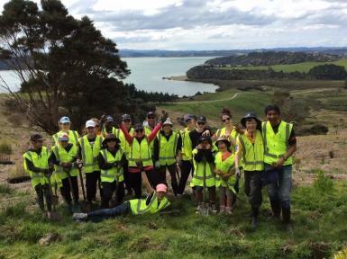 Conservation volunteer group in New Zealand