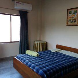 Volunteer bedroom in Galapagos