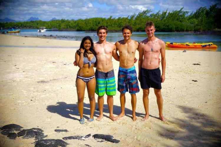 Volunteers on beach in Mauritius