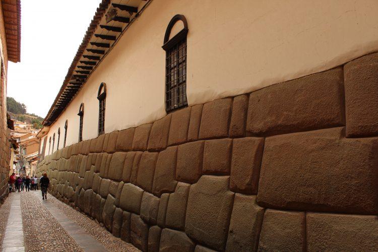 Twelve angled stone Cusco