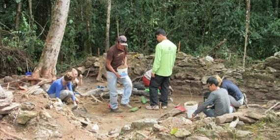 Volunteers on archaeology project