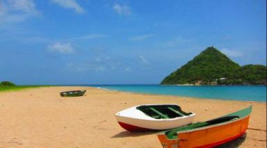 Levera Beach with boats