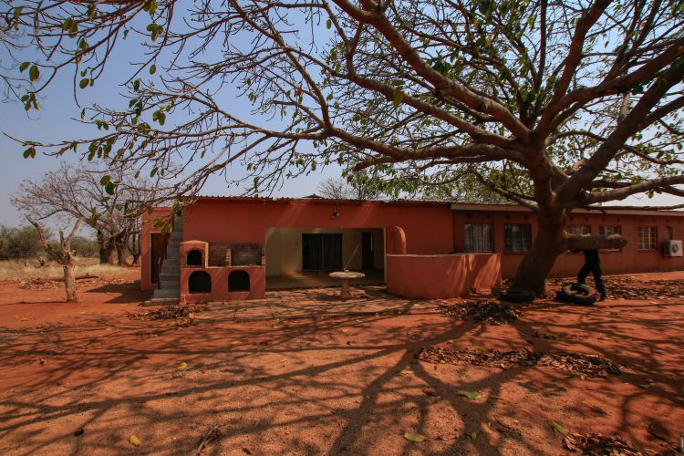 Volunteer house exterior in Botswana