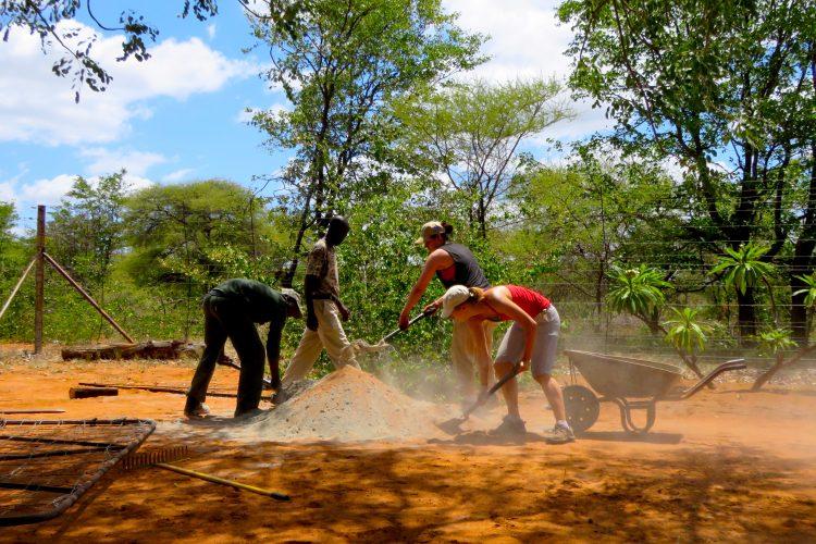Volunteers working with gardening in Botswana