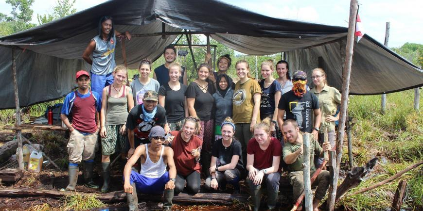 volunteers forest camp in Borneo