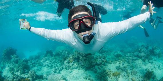 Volunteer Snorkelling in Australia