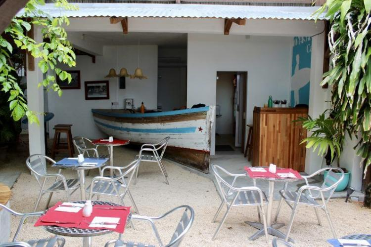 Volunteers cafe in Mauritius